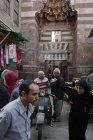 Натовпу в ісламський Каїр, Єгипет — стокове фото