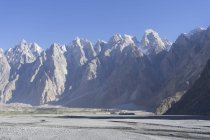 Crête de Karakorum accidentée près de Passu, Gilgit-Baltistan — Photo de stock