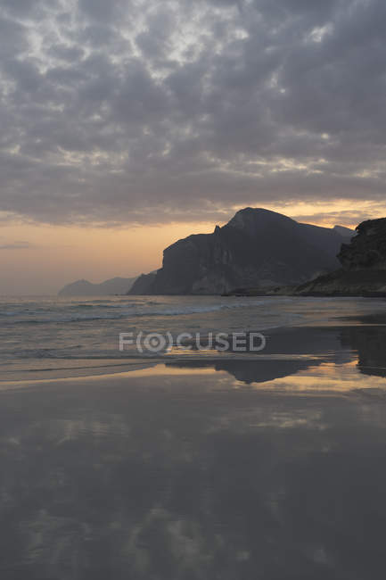 Praia de Mughsail, província de Dhofar, Omã — Fotografia de Stock