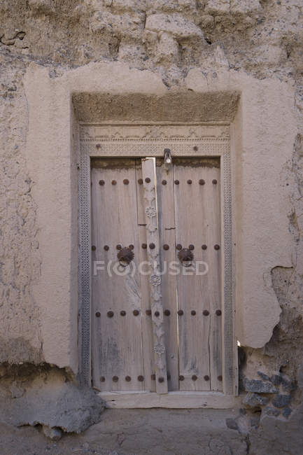Old wooden doorway, Oman — Stock Photo