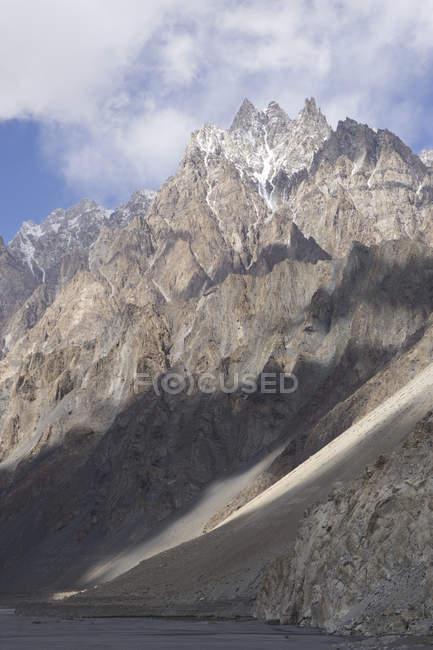 Crinali accidentati della Cattedrale di Passu, Gilgit-Baltistan, Pakistan — Foto stock