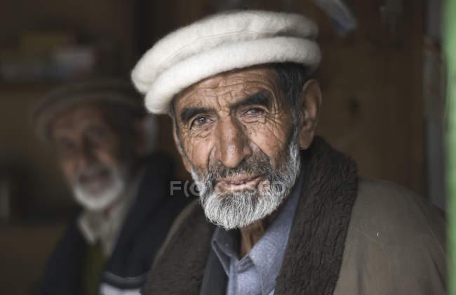 Pakistanische Männer in Chai-Shop am Karakorum Highway, Pakistan — Stockfoto