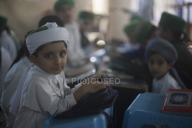 Shia boys studying in madrassa, Karachi — Stock Photo