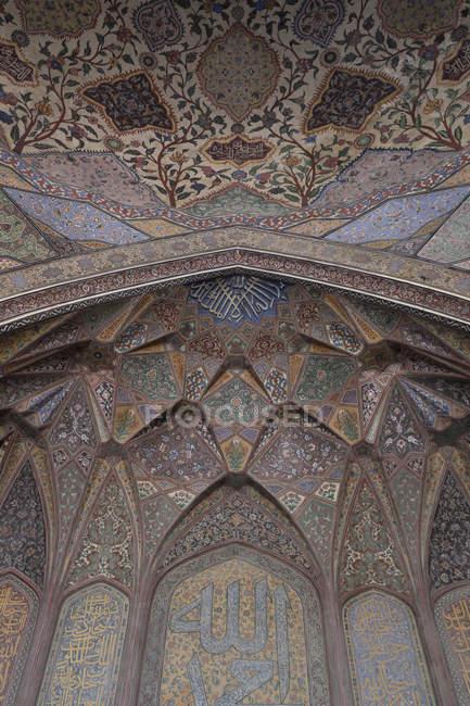 Розробка інтер'єру мечеті Хана Wazir, побудована в епоху Шах Джахан в межах стіною міста Лахор — стокове фото