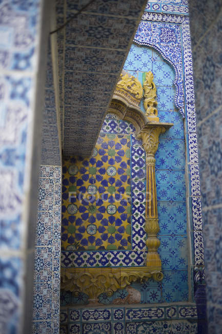 Decorative window at Dargah Hazrat Sachal Sarmast, Sindh — Stock Photo