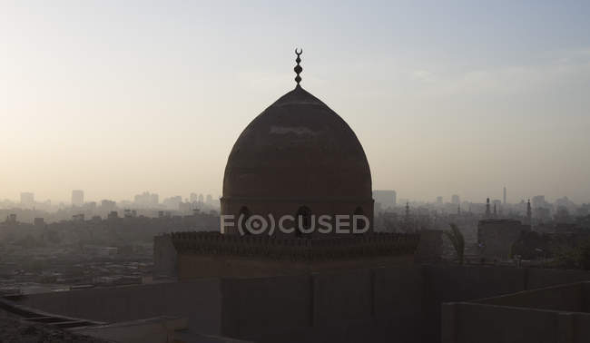 Dome of the Mausoleum of Shaheen al Khalwati in Cairo, Egypt. — Stock Photo