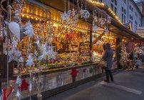 Weihnachtsmarkt im Kaiserhof der Residenz in München, Bayern, Deutschland, Europa — Stockfoto