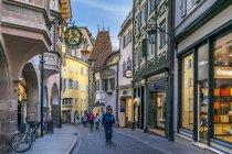 O Bozner Tor em Meran velha cidade, Meran, Tirol do Sul, Itália, Europa — Fotografia de Stock