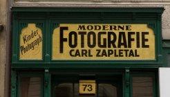 Segno di moderno fotografo all'aperto, Austria, Vienna — Foto stock