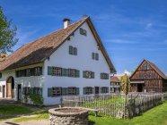 Schwäbischen Bauernhofmuseum tagsüber, Illerbeuren, obere Schwaben, Deutschland — Stockfoto