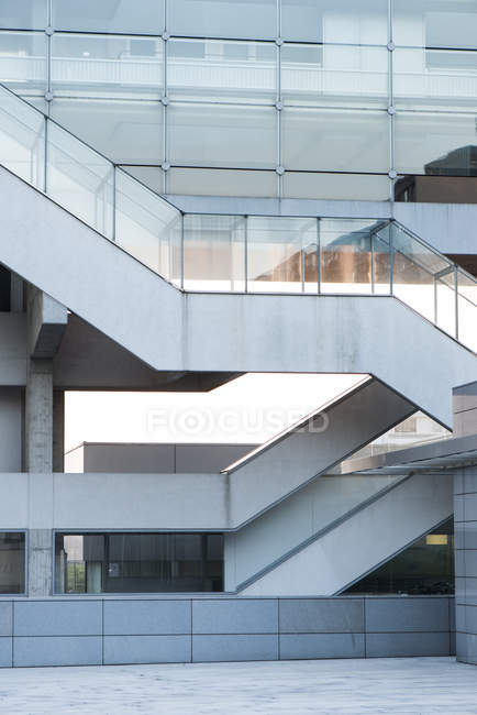 Modern builng facade with stairs, Danube City, Vienna, Austria — Stock Photo