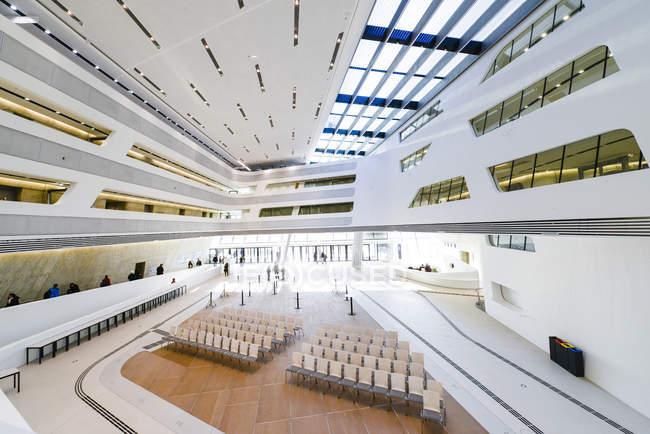 Campus de Wu Viena, Universidade de economia de Viena e negócios, Lc, biblioteca e aprendizagem centro, Zaha Hadid, Áustria, Viena — Fotografia de Stock