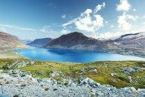 Veduta del lago Djupvatnet dalla montagna Dalsnibba — Foto stock