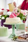 Front view of cake on cake stand — Stock Photo
