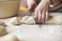 Frau, die Zubereitung von Speisen, differenzielle Fokus — Stockfoto