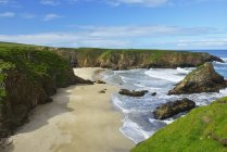 Vista panoramica della costa rocciosa delle Shetland, Scozia — Foto stock