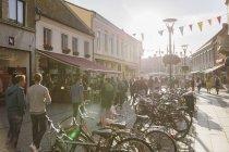 Vélos et piétons sur le sentier de Malmo, Suède — Photo de stock
