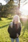 Portrait of girl in field in Ornahusen, Sweden — Stock Photo