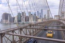 Scenic view of Brooklyn Bridge in New York City — Stock Photo