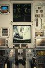 Bildschirm auf der Flugzeugsteuerung, selektiver Fokus — Stockfoto