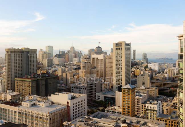 Vista elevada del paisaje urbano de San Francisco - foto de stock