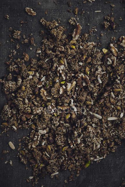 Vista superior de la variación de nueces machacadas - foto de stock