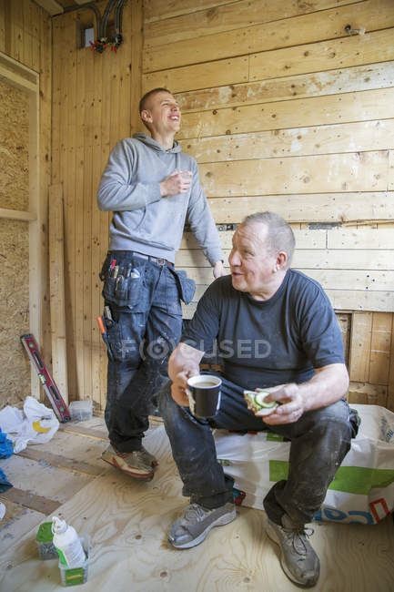 Construction workers taking break, selective focus — Stock Photo