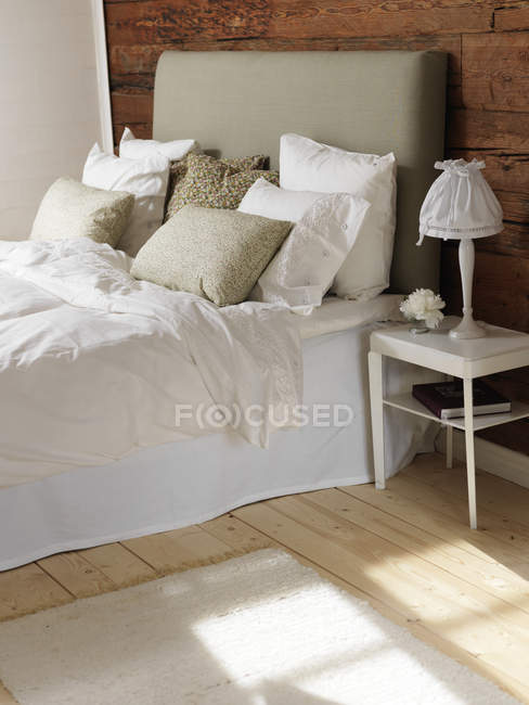 Bedroom with wood and white color theme — Stock Photo