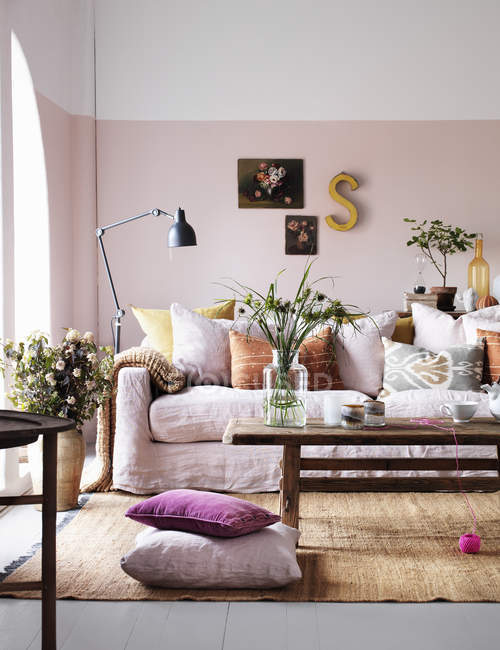 View of living room interior with plants and decorations — Stock Photo