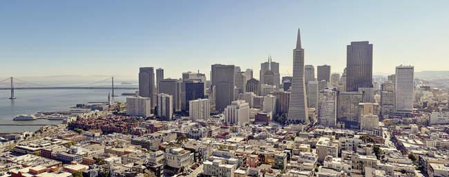 Erhöhter Blick auf das Stadtbild von San Francisco — Stockfoto