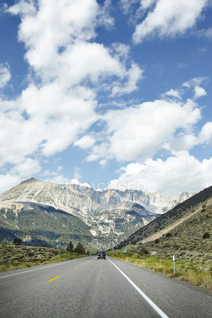 Front view of car on road at Sierra Nevada — Stock Photo