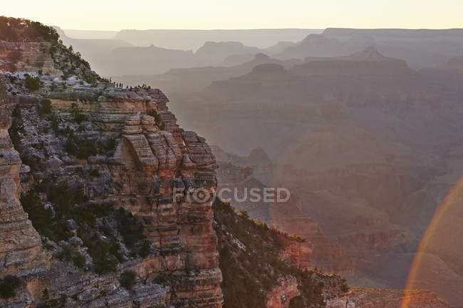 Vue panoramique du Grand Canyon à la lumière de l'aube — Photo de stock