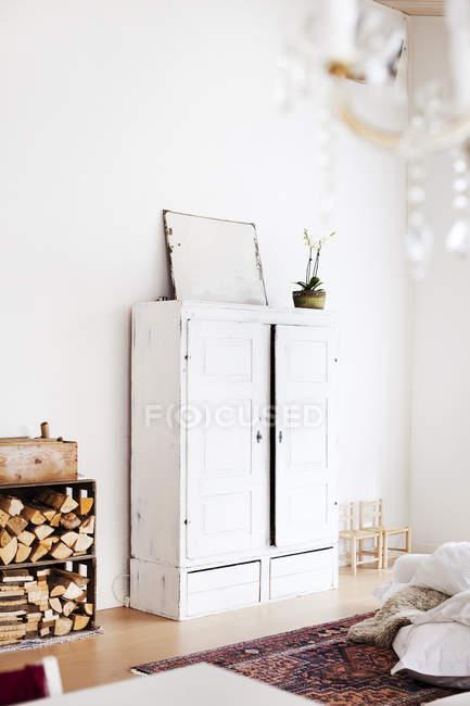 Home interior, view of white bedroom closet — Stock Photo