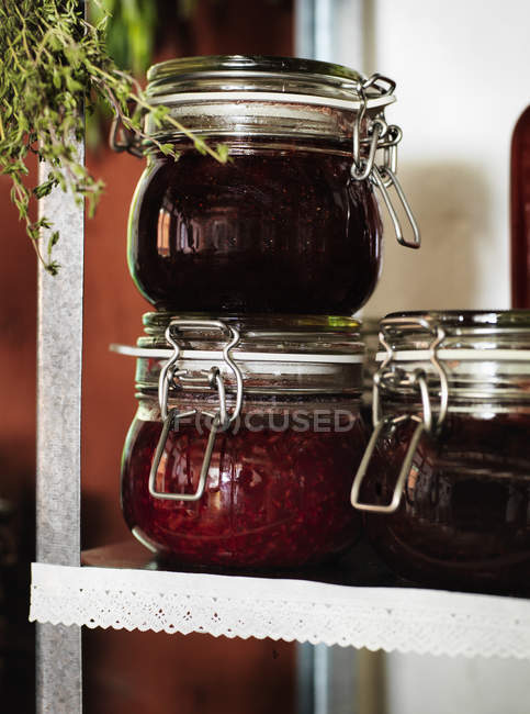 Gros plan de la confiture maison, mise au point sélective — Photo de stock