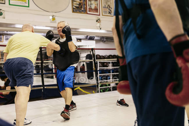 Senior men boxing, selective focus — Stock Photo