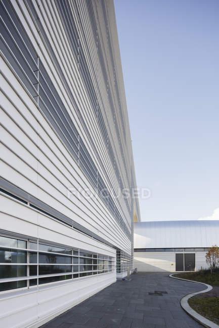Edificio moderno esterno del laboratorio Max IV, Europa settentrionale — Foto stock