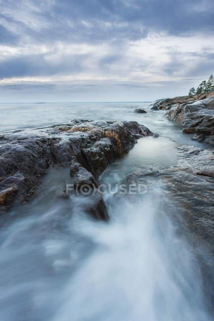 Vista panorâmica do mar de Báltico sob nuvens de tempestades — Fotografia de Stock