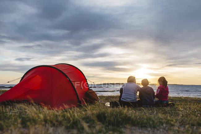Camping familial à Torekov, Suède — Photo de stock