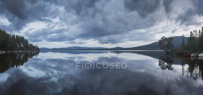 Scenic view of lake in Jamtland, Sweden — Stock Photo