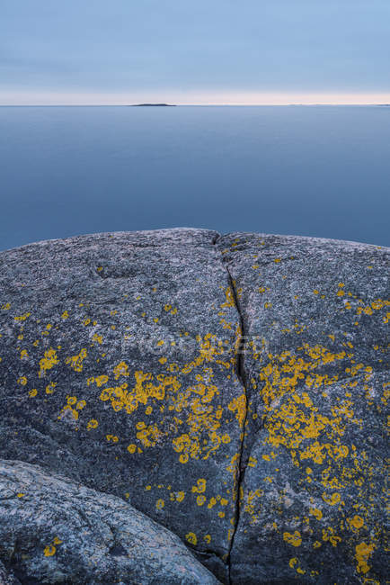 Eroded rock with water in background, stockholm archipelago — Stock Photo
