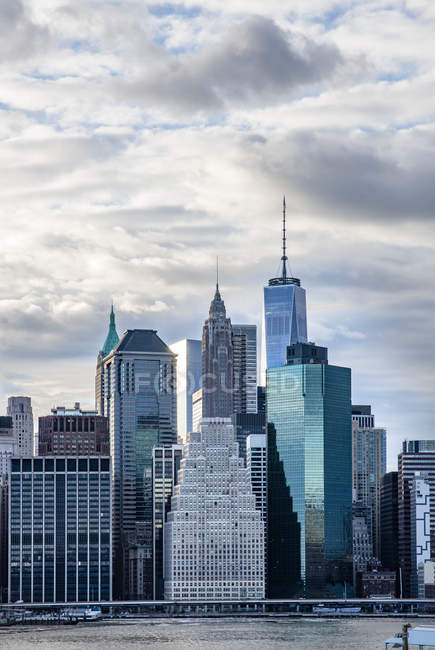 Skyscrapers against sky in New York City — Stock Photo