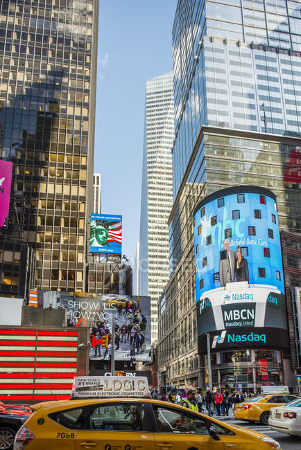 Gratte-ciel à Times Square, foyer sélectif — Photo de stock