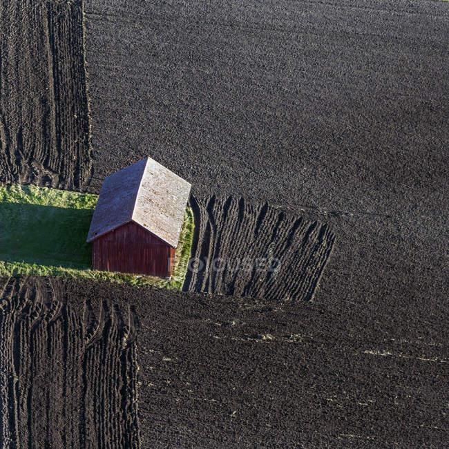 Vista ad alto angolo del fienile in Hokby, Svezia — Foto stock