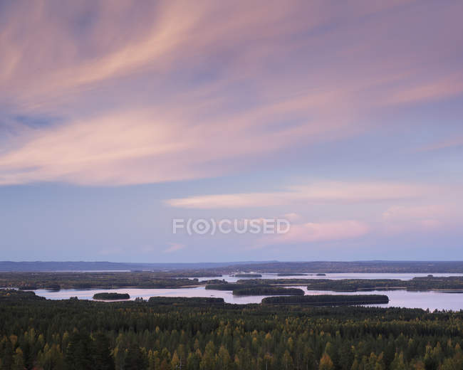 Scenic view of river and forest, Solleron — Stock Photo