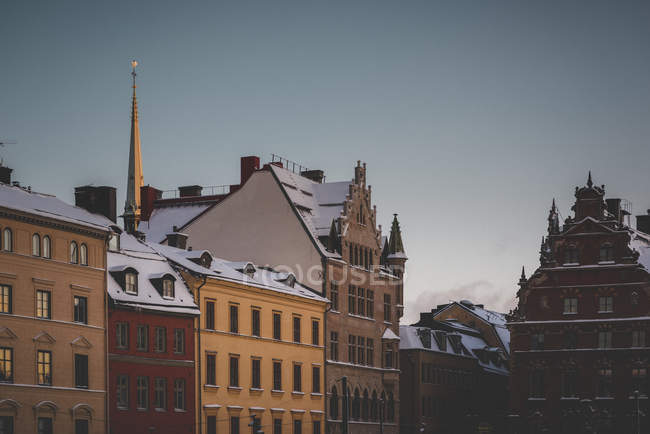 Scenic view of snow on roofs in Gamla Stan, Stockholm, Sweden — Stock Photo