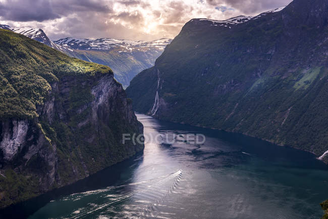 Vue panoramique du fjord à Geiranger, Norvège — Photo de stock