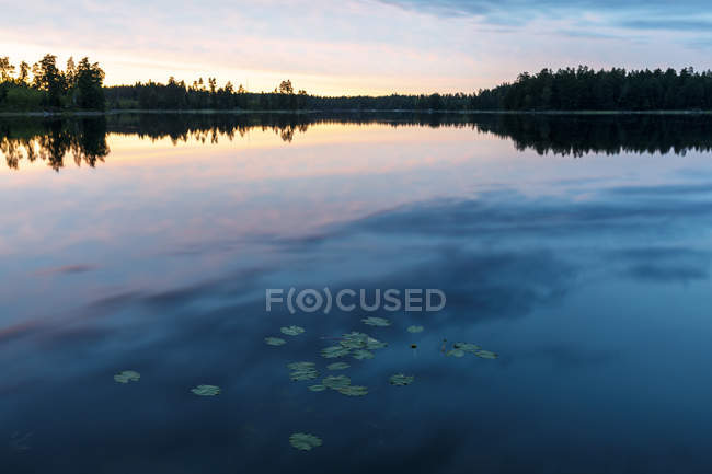 Scenic view of sunset at Lake Skiren, Sweden — Stock Photo