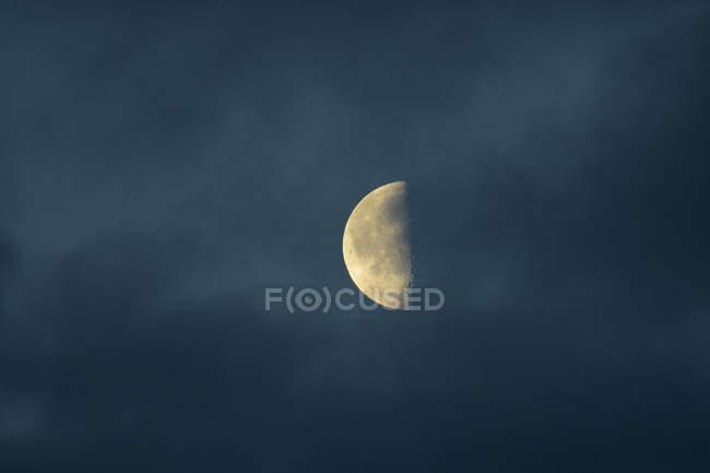 Scenic view of half moon at night — Stock Photo