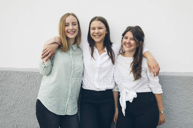 Portrait of three young women in Karlskrona, Sweden — Stock Photo