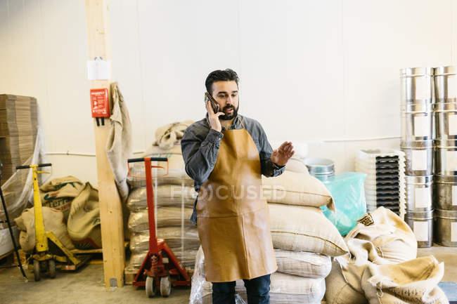 Власник малого бізнесу в жаровню кафе чемпіонату з фрірану — стокове фото